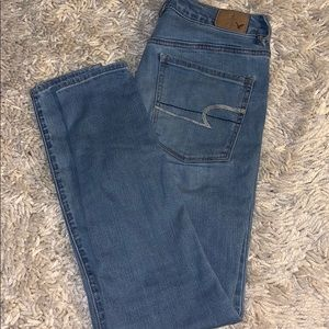 American eagle light wash super stretch jeans